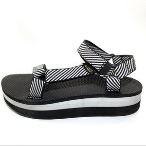 Teva Flatform Universal Sandal Candy Stripe Black